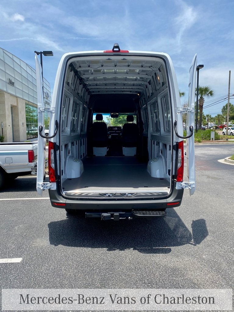 2020 Mercedes-Benz Sprinter 2500 4x4, Empty Cargo Van #MB10415 - photo 2