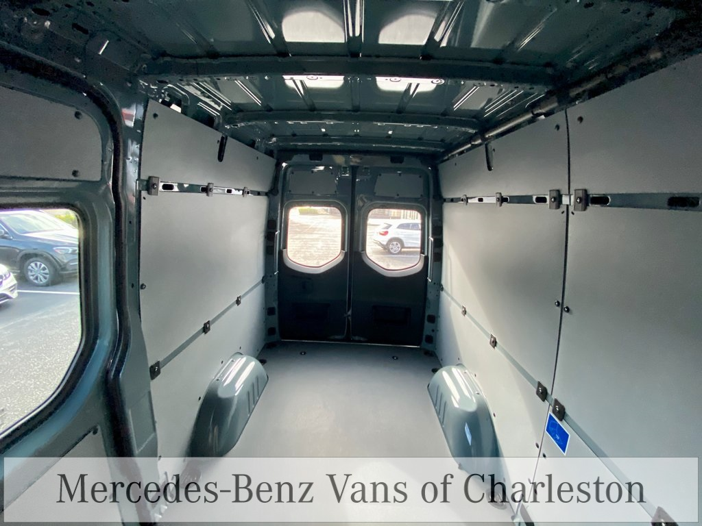 2020 Mercedes-Benz Sprinter 2500 Standard Roof 4x2, Empty Cargo Van #MB10510 - photo 2