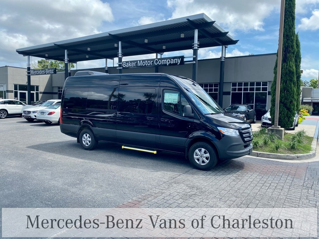 2020 Mercedes-Benz Sprinter 2500 High Roof 4x2, Passenger Van #MB10526 - photo 1