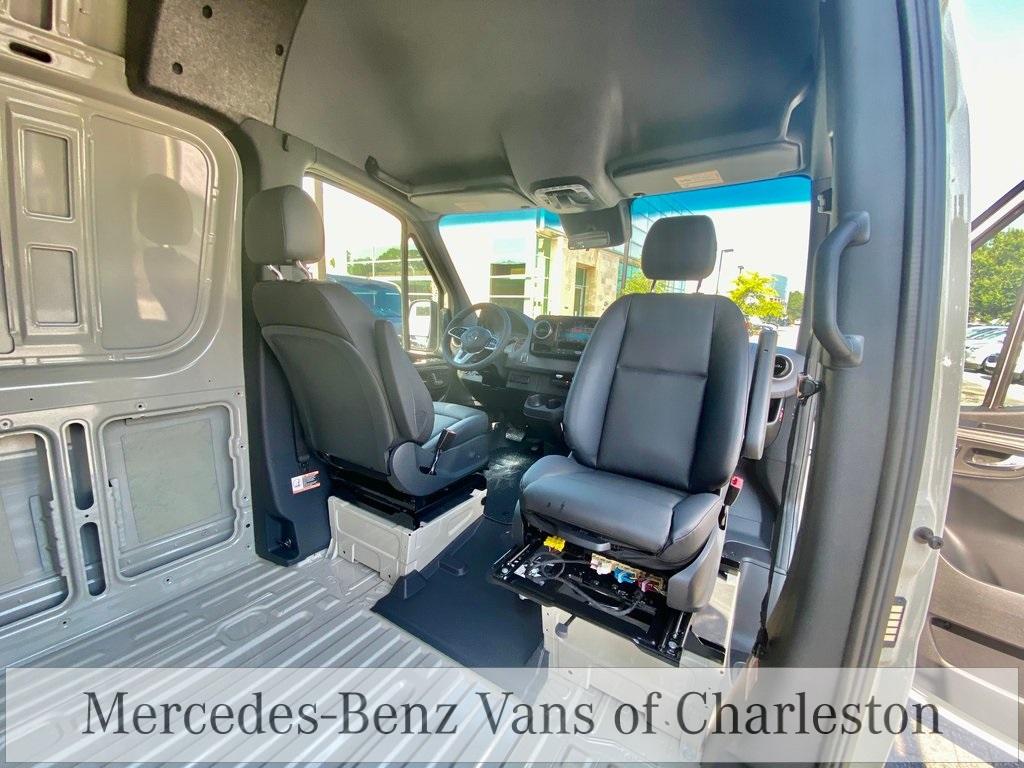 2020 Mercedes-Benz Sprinter 2500 High Roof 4x2, Empty Cargo Van #MB10561 - photo 2