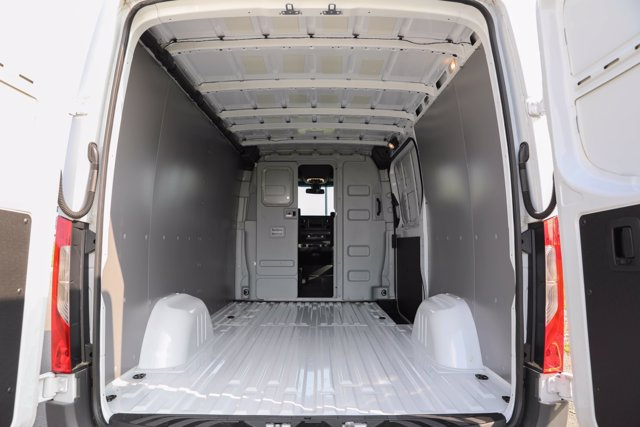 2019 Mercedes-Benz Sprinter 2500 Standard Roof 4x4, Empty Cargo Van #CVX00925 - photo 1