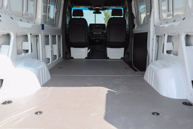 2019 Mercedes-Benz Sprinter 4x4, Empty Cargo Van #CVX00927 - photo 1