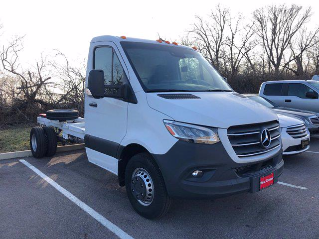 2019 Mercedes-Benz Sprinter 4x2, Cab Chassis #CVX00976 - photo 1