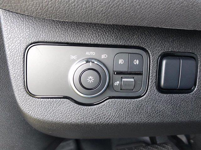 2019 Mercedes-Benz Sprinter 4x2, Cab Chassis #CVX00976 - photo 13