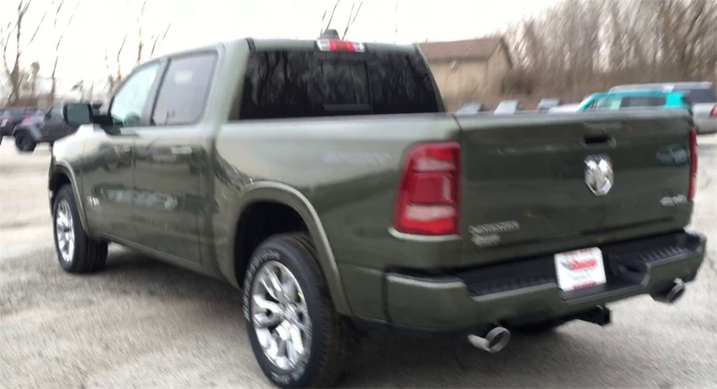 2021 Ram 1500 Crew Cab 4x4, Pickup #M047100 - photo 1