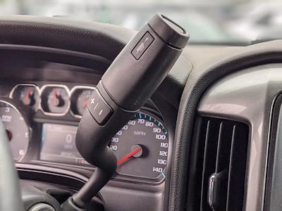 2015 Chevrolet Silverado 1500 Crew Cab 4x4, Pickup #FG143742 - photo 11