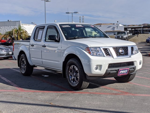 2017 Nissan Frontier Crew Cab 4x2, Pickup #HN718990 - photo 4