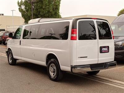 2018 Chevrolet Express 3500 4x2, Passenger Wagon #J1330299 - photo 2