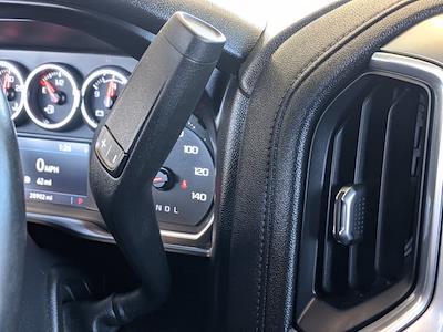 2020 Chevrolet Silverado 1500 Crew Cab 4x2, Pickup #LG102829 - photo 12