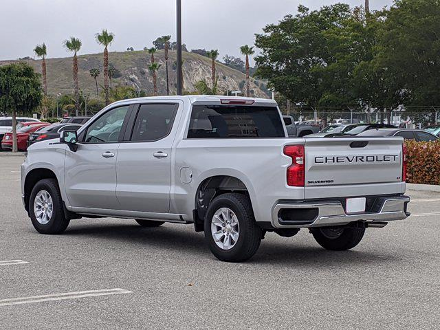 2020 Chevrolet Silverado 1500 Crew Cab 4x2, Pickup #LZ183517 - photo 2