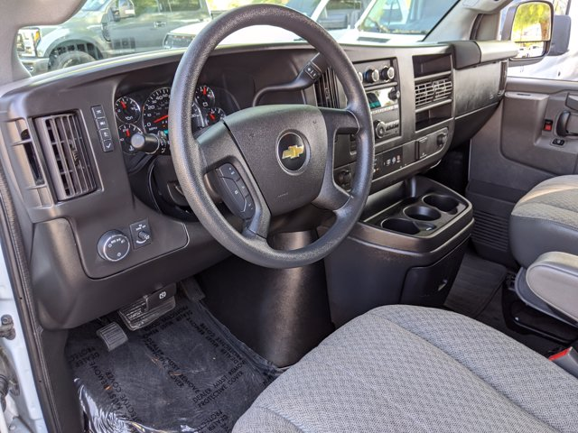 2018 Chevrolet Express 3500 4x2, Passenger Wagon #J1243984 - photo 10