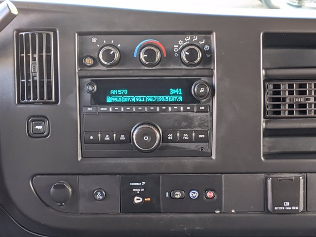 2018 Chevrolet Express 3500 4x2, Passenger Wagon #J1243984 - photo 14