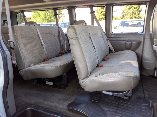 2018 Chevrolet Express 3500 4x2, Passenger Wagon #J1243984 - photo 18
