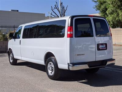 2018 Chevrolet Express 3500 4x2, Passenger Wagon #J1243984 - photo 2
