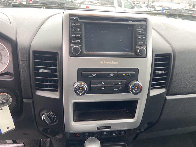2015 Nissan Titan Crew Cab 4x4, Pickup #J210380A - photo 17