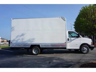 2021 GMC Savana 3500 4x2, Bay Bridge Classic Cutaway Van #21T30551 - photo 4