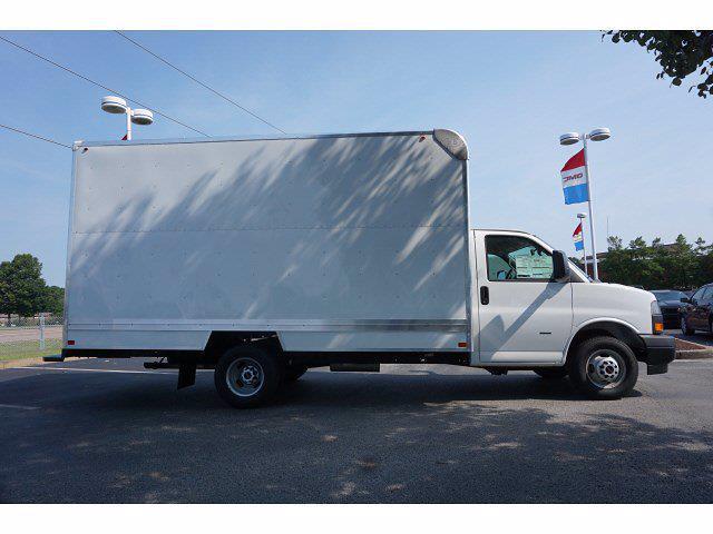 2021 GMC Savana 3500 4x2, Bay Bridge Classic Cutaway Van #21T30552 - photo 4