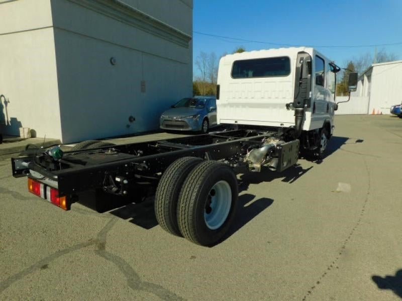 2021 Isuzu NPR-HD Crew Cab 4x2, Cab Chassis #7006447 - photo 1