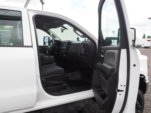 2019 Chevrolet Silverado Medium Duty Crew Cab DRW 4x4, The Fab Shop Contractor Body #1980308 - photo 8