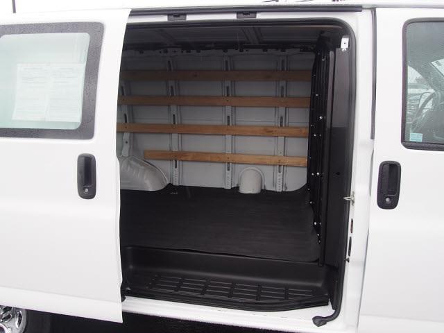 2018 Chevrolet Express 2500 4x2, Empty Cargo Van #P11492 - photo 1