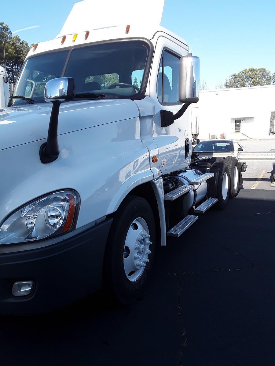 2015 Freightliner Truck 6x4, Tractor #320918 - photo 1