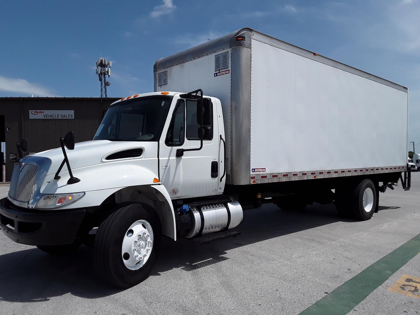 2017 International DuraStar 4300 4x2, Dry Freight #678098 - photo 1