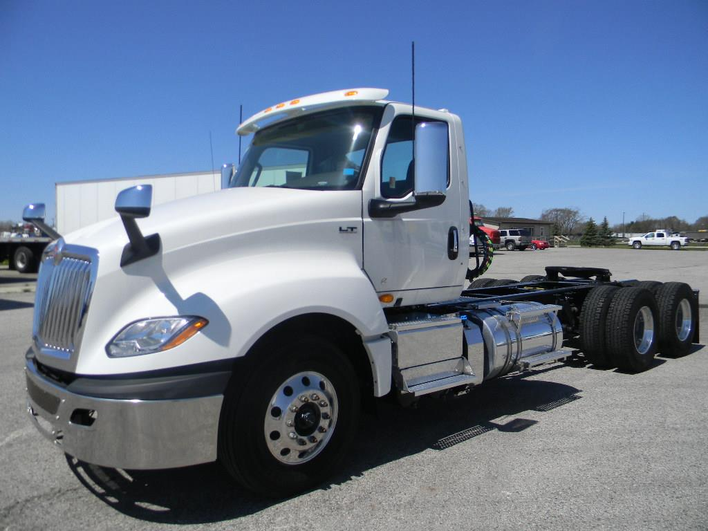 2019 International LT 6x4, Tractor #112999 - photo 1