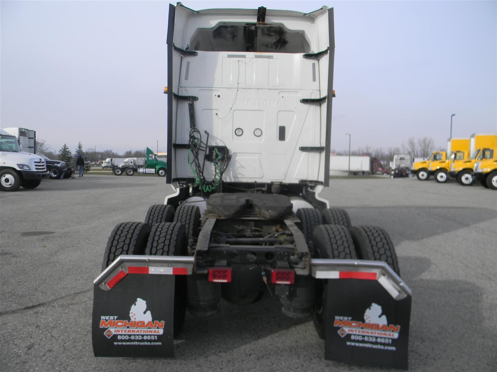2018 International LT 6x4, Tractor #JN445578 - photo 1