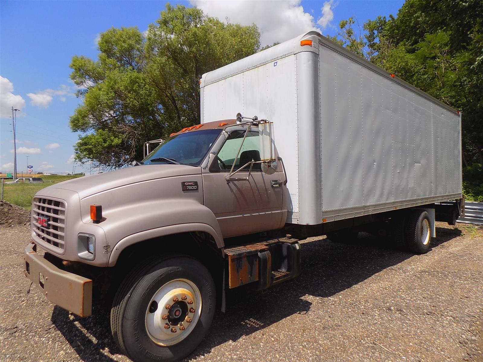 2000 GMC C7500 4x2, Morgan Dry Freight #YJ514990 - photo 1