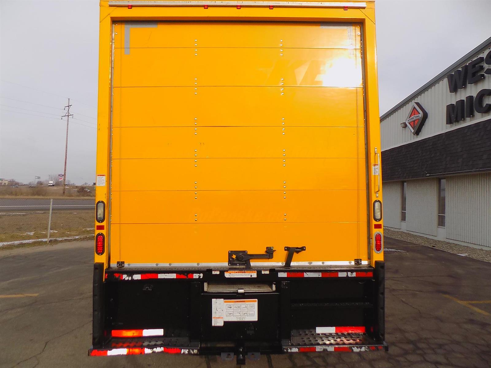 2017 International DuraStar 4300 4x2, Dry Freight #HL458146 - photo 1