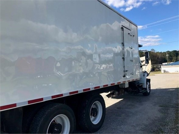 2018 International DuraStar 4400 6x4, Refrigerated Body #49031 - photo 1