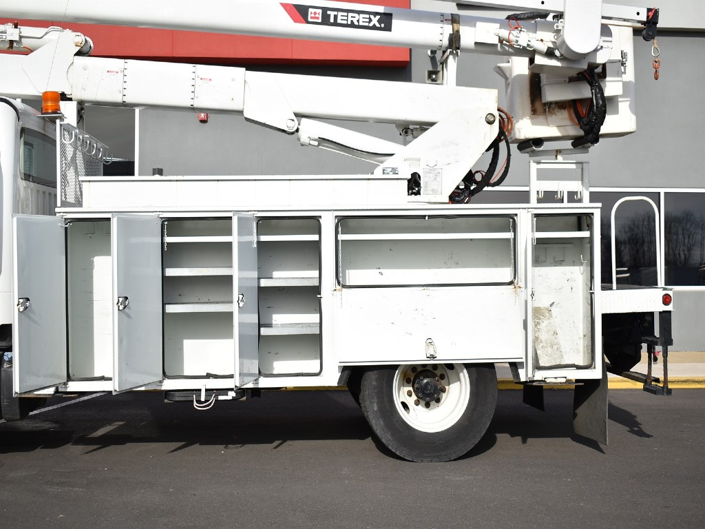 2016 Freightliner M2 106 4x2, Terex Corporation Service Body #10489 - photo 8