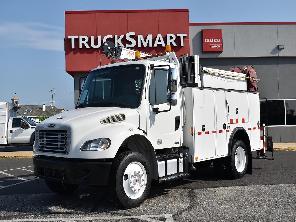 2011 Freightliner Truck 4x2, Mechanics Body #10573 - photo 1
