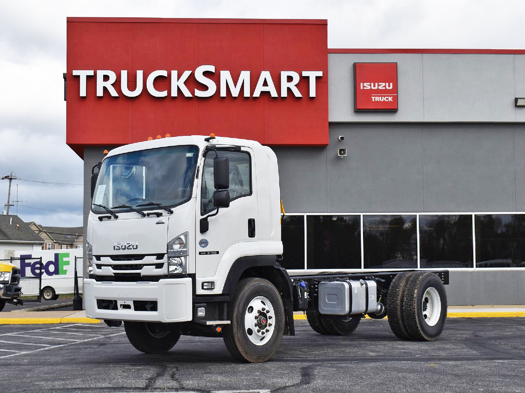 2021 Isuzu FTR Regular Cab 4x2, Cab Chassis #21019 - photo 1
