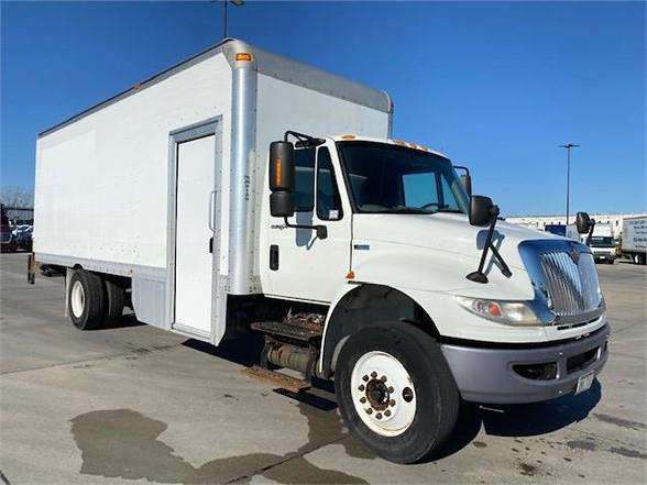 2014 International DuraStar 4300 4x2, Dry Freight #EH762092 - photo 1