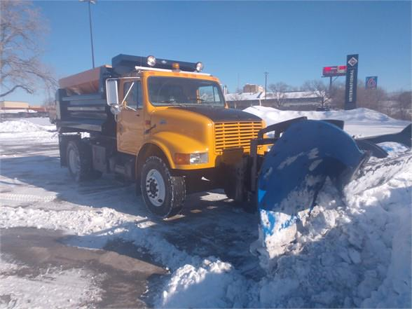 2000 International Truck 4x2, TBEI - Truck Bodies & Equipment International Dump Body #YH248910 - photo 1