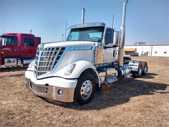 2021 International LoneStar 6x4, Tractor #MN561215 - photo 1