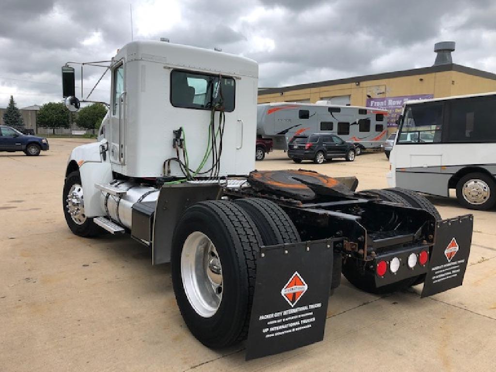 2016 Kenworth Truck 4x2, Tractor #105831 - photo 1