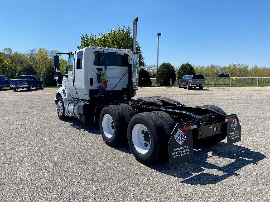 2005 International Truck 6x4, Cab Chassis #119246 - photo 1