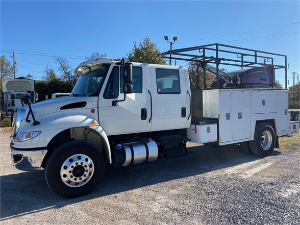 2018 International DuraStar 4300 4x2, Mechanics Body #T426220 - photo 1