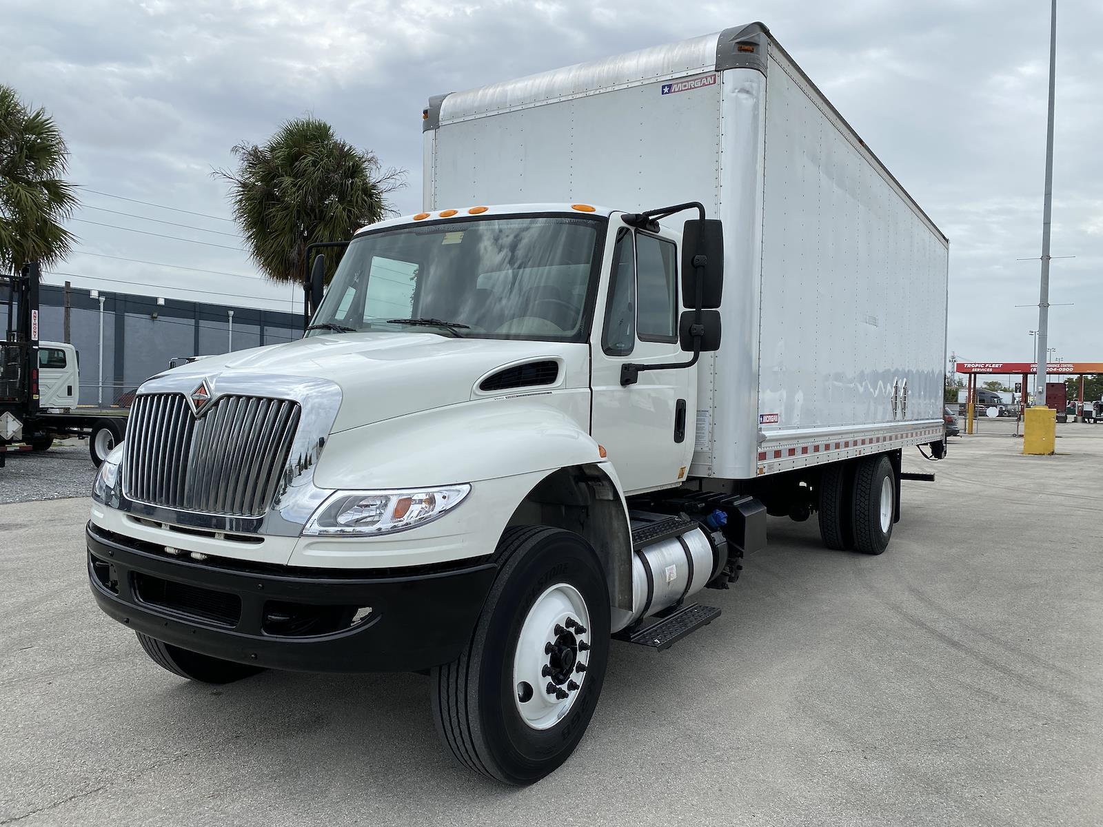 2015 International DuraStar 4300 4x2, Dry Freight #I-8171 - photo 1