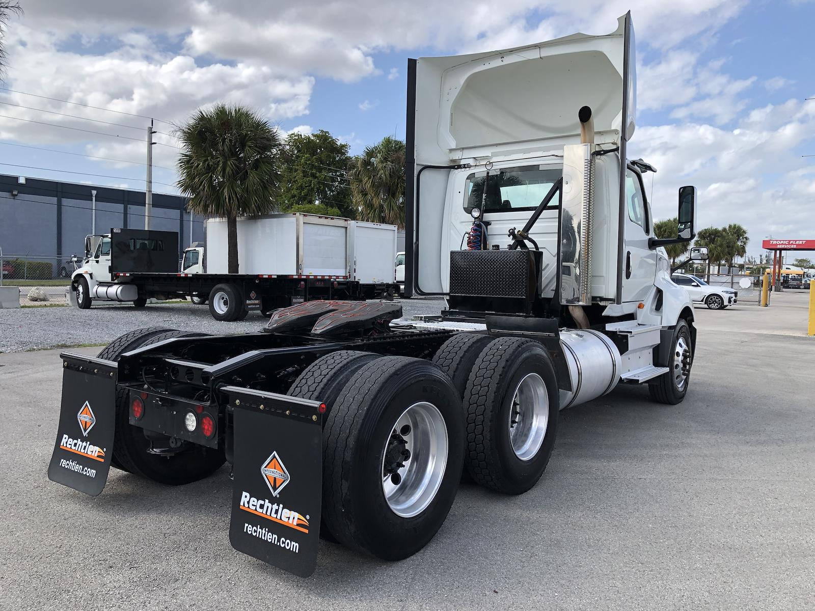 2018 International LT 6x4, Tractor #I-8264 - photo 1