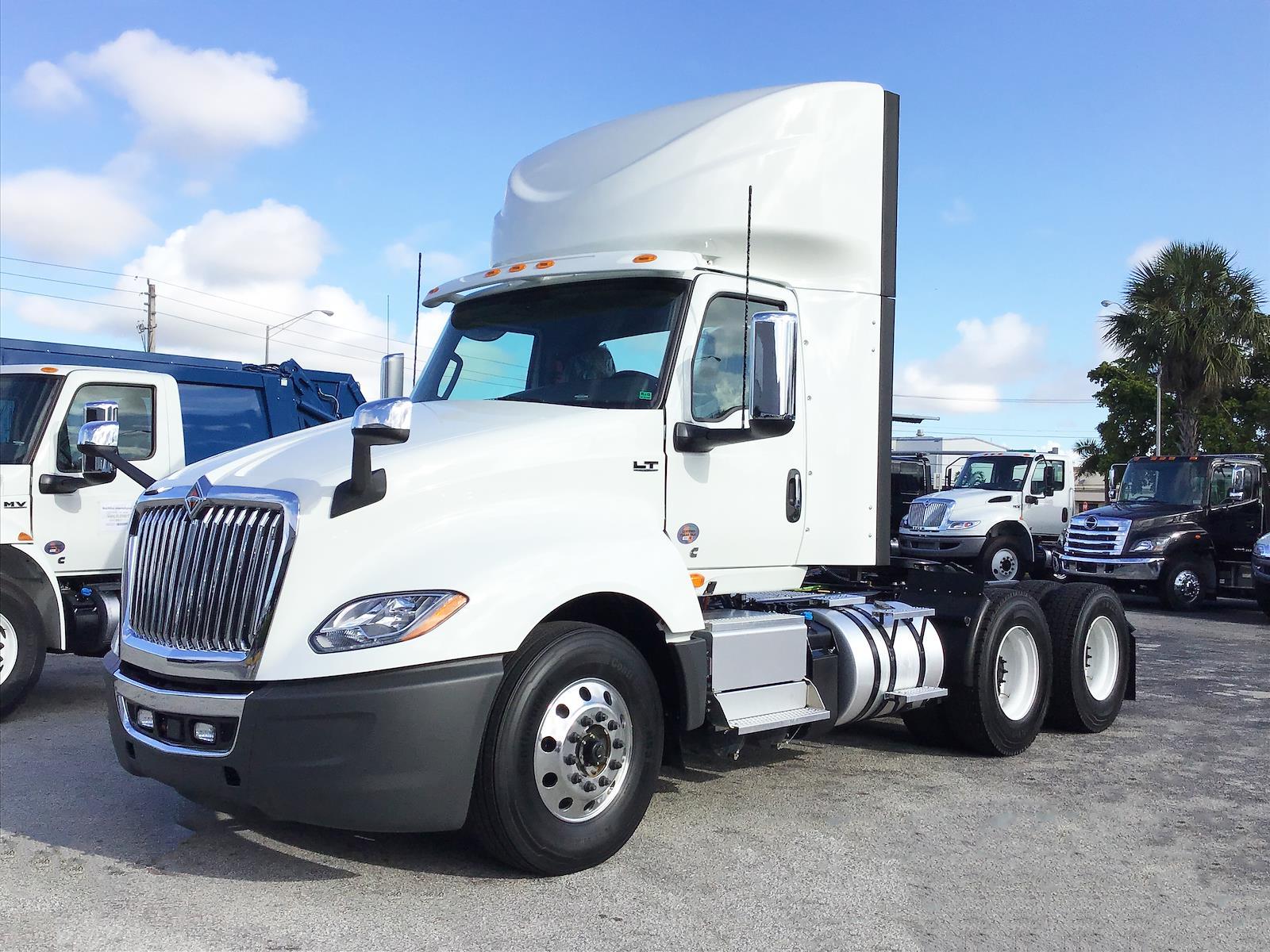 2022 International LT 6x4, Tractor #NN335243 - photo 1