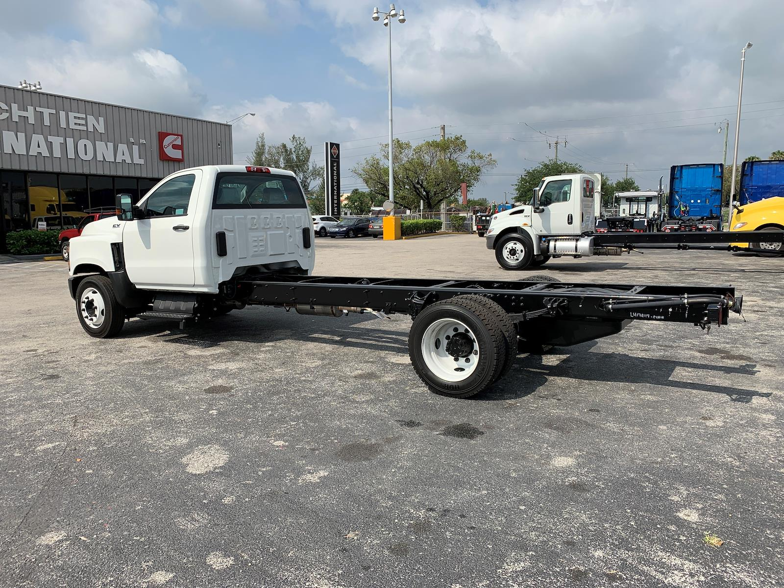 2021 International CV 4x4, Cab Chassis #PR-235450 - photo 1