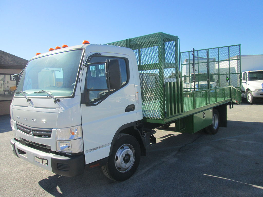 2019 Mitsubishi Fuso FE140, W & W Body Builders of Columbia Dovetail Landscape #172520 - photo 1