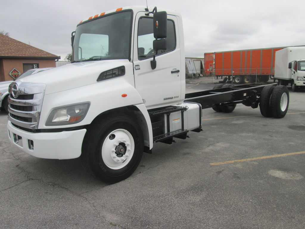 2017 Hino Truck Single Cab, Cab Chassis #M57273/2704 - photo 1
