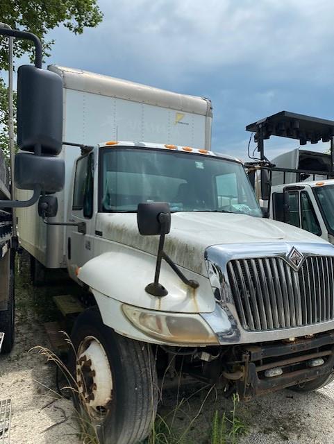2005 International Truck 4x2, Dry Freight #U2531 - photo 1
