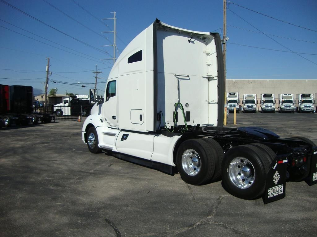 2019 Kenworth Truck 6x4, Tractor #U7522 - photo 1