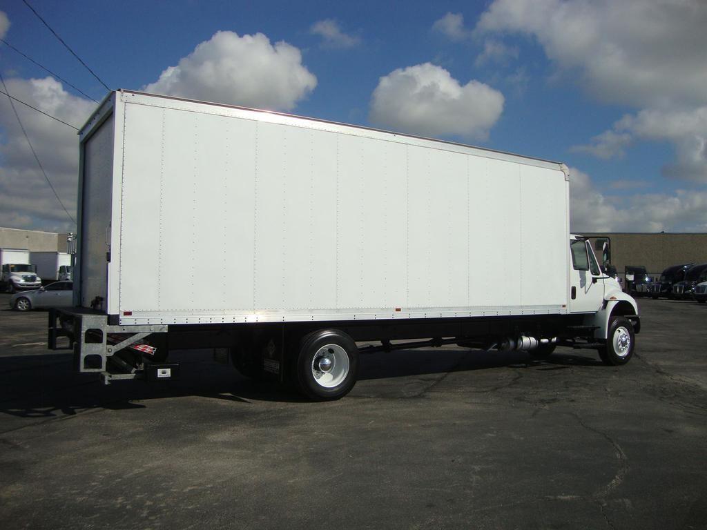 2018 International DuraStar 4300 4x2, Dry Freight #U7612 - photo 1