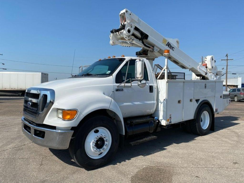 2011 Ford F-750 Regular Cab 4x2, Altec Industries, Inc. Service Body #U7736 - photo 1